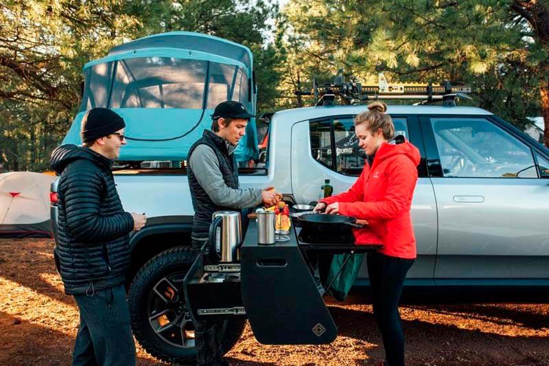 Rivian-camioneta-electrica-version-camping