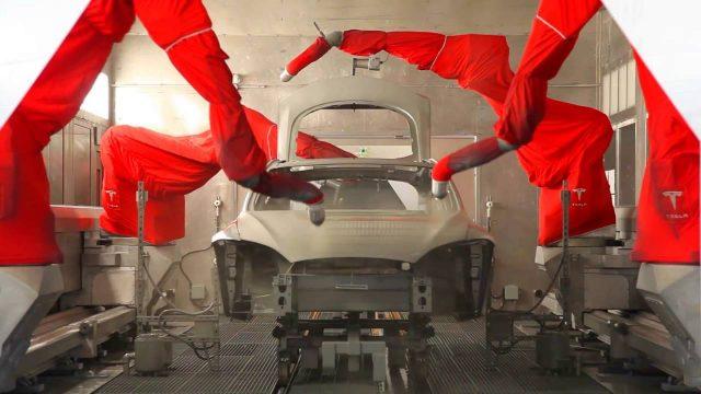 Imagen del proceso de pintura en Tesla