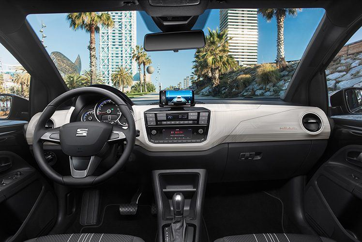 SEAT-Mii-Electric-interior