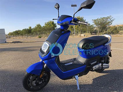Scooter-electrica-NEXT-NX1-frontal-lateral