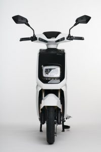 Scooter-electrica_NEXT-NX1_color-blanco-frontal