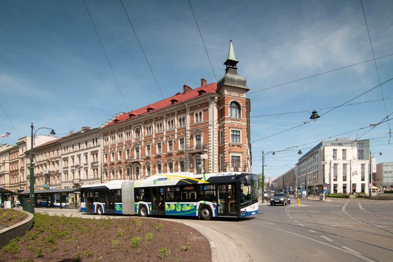 Solaris-Urbino-18-autobus-electrico-articulado8