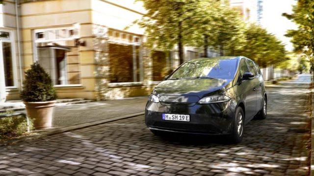 Sono-Motors-Sion-coche-electrico-solar-presentada-version-producción_ciudad