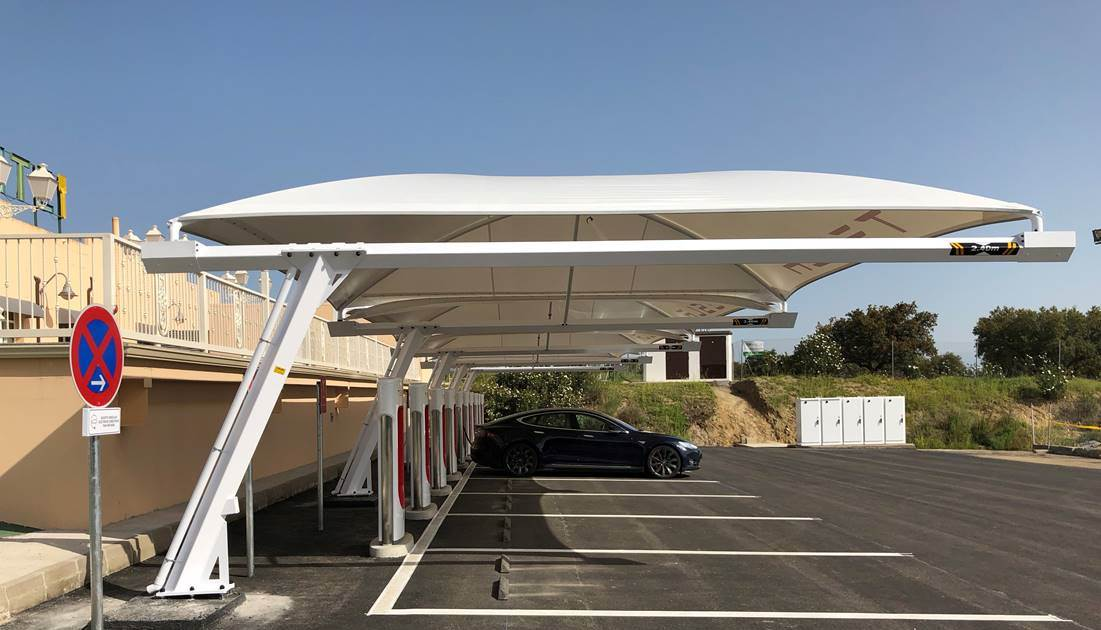 Supercharger de Almaraz en Caceres (España)