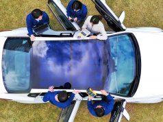 Techo solar de un coche eléctrico