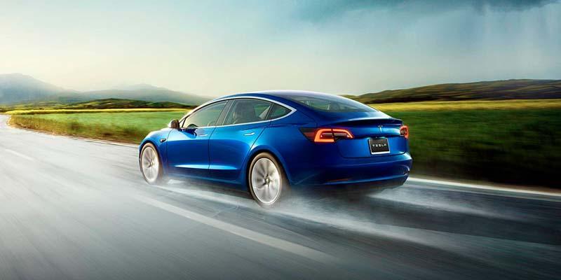 Tesla-Model-3-azul