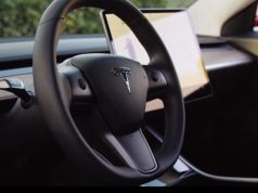 Tesla-model3-volante-interior