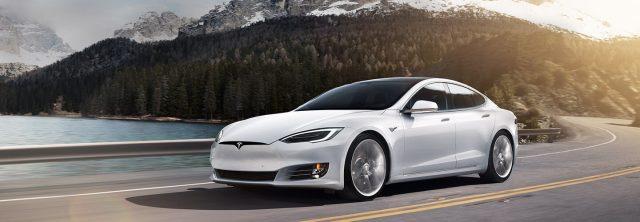 Imagen del Tesla Model S en color blanco