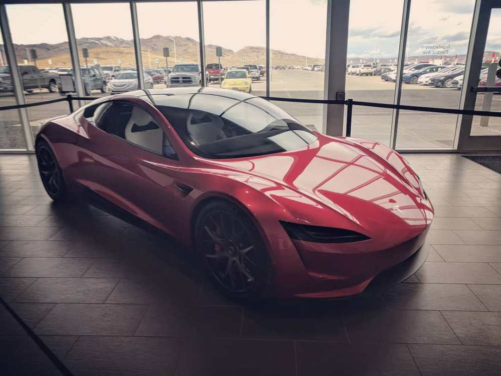 TeslaRoadster-Lateral-color-rojo