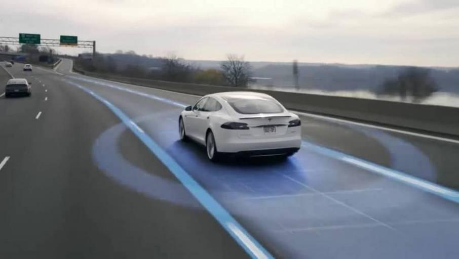 Tesla_AutoPilot2_02