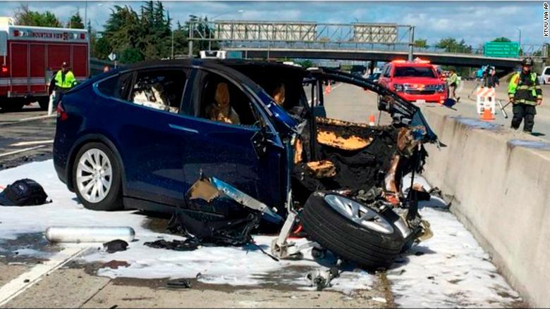 Tesla_ModelX-Accidentado