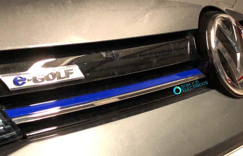 Volkswagen-e_Golf-detalles-color-azul