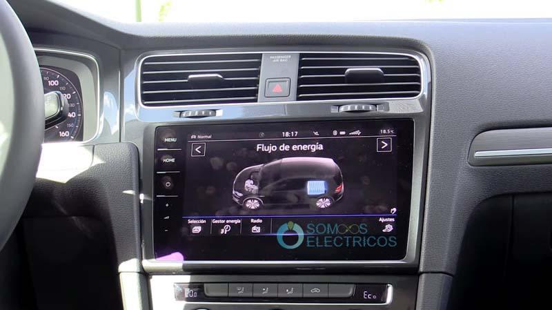 Volkswagen-e_golf-pantalla-central-energia-eficiencia