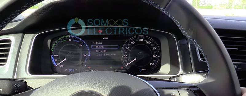 Volkswagen-e_golf-pantalla-frontal-configuracion-diferentes-visiones