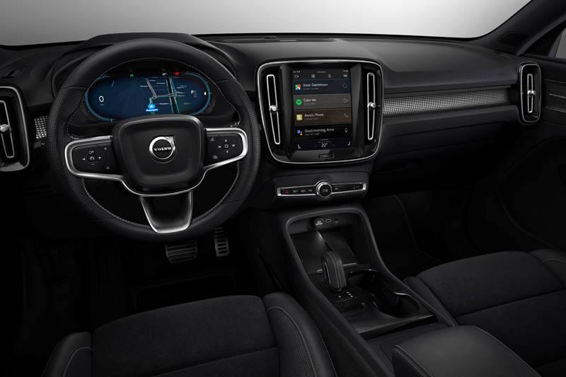 Volvo-XC40-Recharge_interior