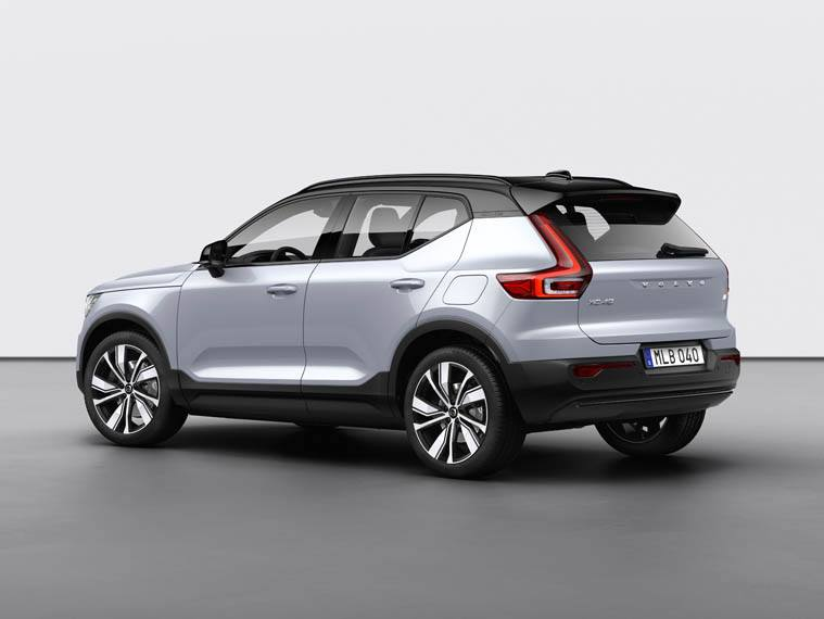 Volvo-XC40-Recharge_lateral-trasera