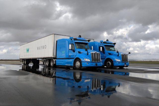 Imagen de camiones con conducción autónoma de Waymo (Google)