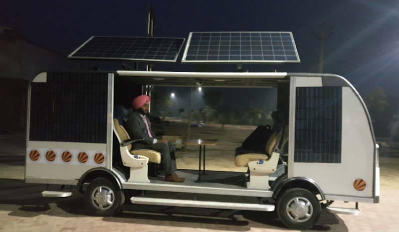 autobus-electrico-solar-autonomo-india-universidad-lpu