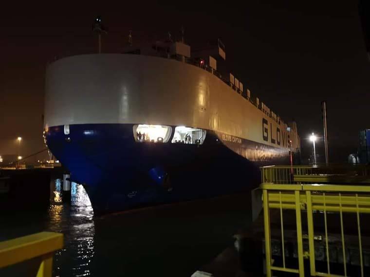 barco-tesla-model3-llegada-puerto-belgica