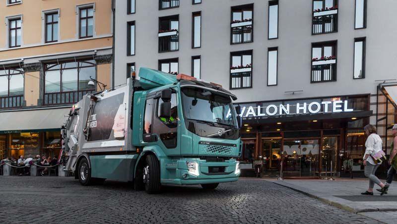 camion-electrico-volvo-fl-electrico-convertido-camion-basuras