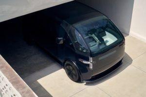 canoo-vehiculo-electrico_color-negro-vista-arriba