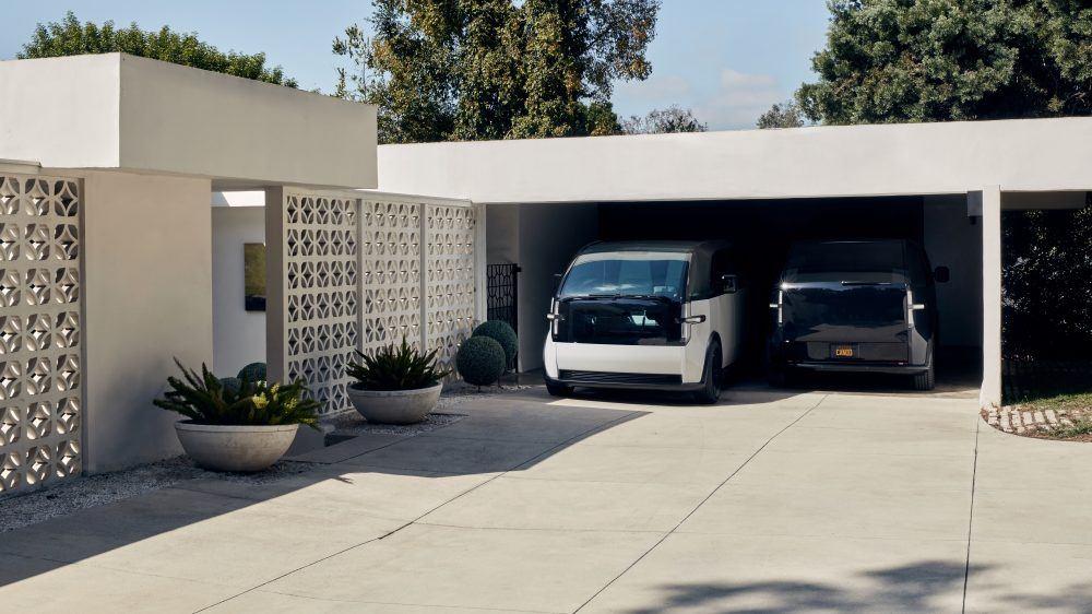 canoo-vehiculo-electrico_garaje-color-blanco-negro
