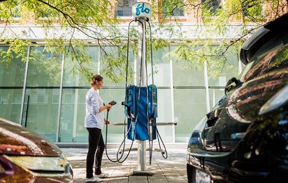 Postes de carga de coches eléctricos