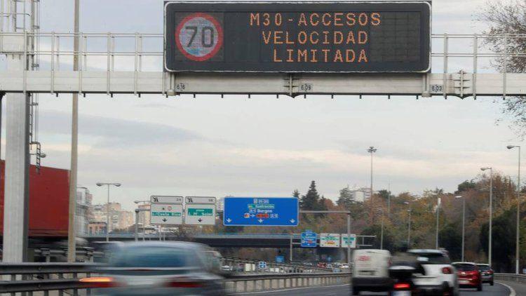contaminacion-madrid-cartel-velocidad-limitada-70kmh-m30