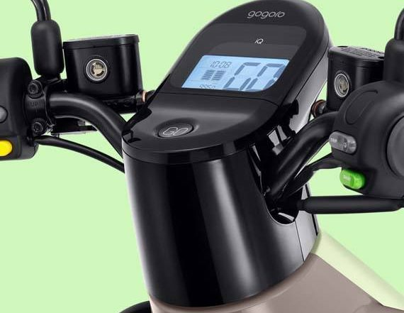 gogoro-3-scooter_pantalla-instrumentos-LCD-retroiluminada