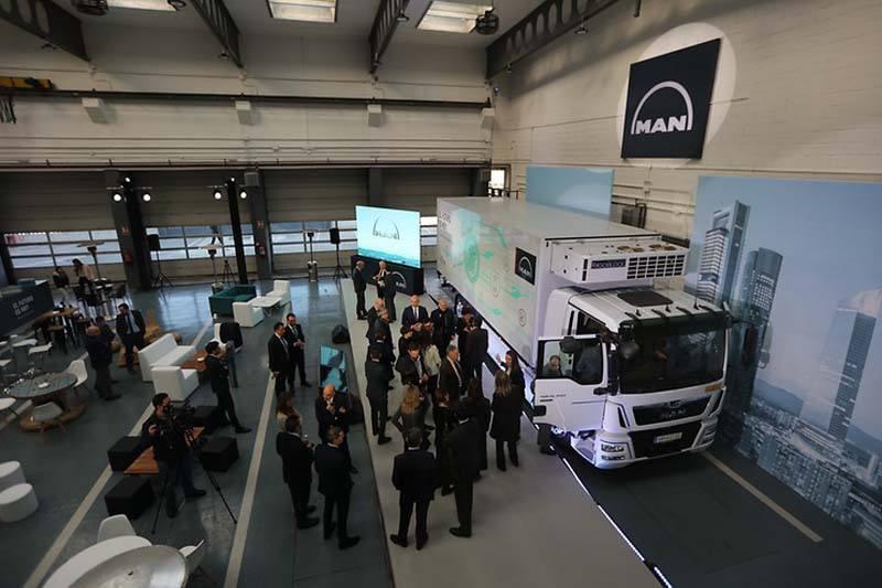 man-camion-electrico-pruebas-madrid1-camion-expuesto