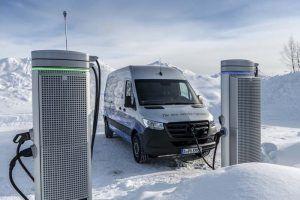 mercedes-benz-pruebas-invierno-nieve-lago-helado-circulo-polar-articulo-arjepolog-suecia_cargando