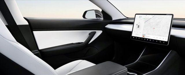 model3-interior-sin-volante-mostrado-evento-autoconduccion-tesla