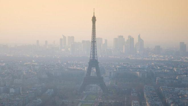 paris-contaminacion-torre-eiffel