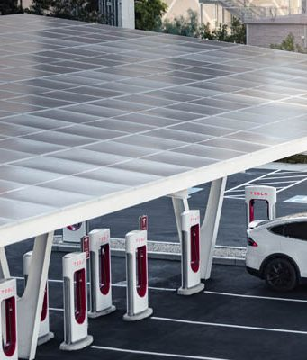 tesla-supercharger-v3-las-vegas-powerpacks-energia-solarv