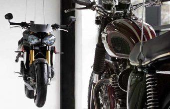 triumph-motocicletas-colgadas-techo