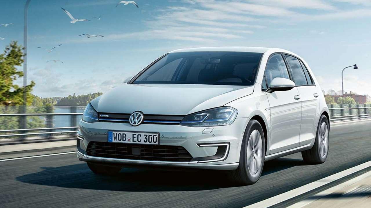 volkswagen-e_golf-movimiento-carretera